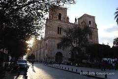 Catedral de la Inmaculada Concepcin (Roberto Lauro) Tags: viaggi travel ecuador cuenca chiesa church piazza citt cattedrale cathedral