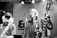 The Young Fresh Fellows (Joe Herrero) Tags: aprobado young fresh fellows rock concierto concert directo live sala el sol heart gold guitarra guitar gibson roll scott mccaughey chuck carroll