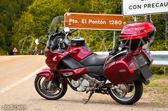 PUERTO DE EL PONTON (DOCESMAN) Tags: asturias cantabria espaa spain picosdeeuropa honda nt700v deauville route road mountainpass puerto cumbre docesman danidoces