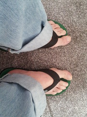 20150521_073417 (rugby#9) Tags: feet jeans flipflops levi barefeet levis 501 501s levi501s