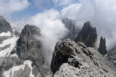 Widok z Cima Val di Roda w kierunku przełęczy Passo Ball