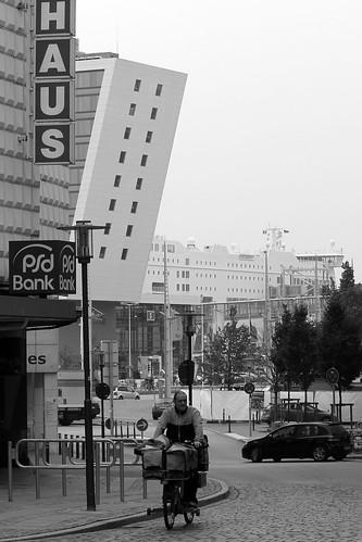 "Eggerstedtstraße, Kiel (03) BW • <a style=""font-size:0.8em;"" href=""http://www.flickr.com/photos/69570948@N04/21834161778/"" target=""_blank"">View on Flickr</a>"