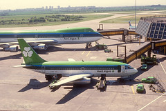 Aer Lingus 737 EI-BEC - 'St Fiacre' (Longreach - Jonathan McDonnell) Tags: dublin scan 1989 boeing 1980s boeing747 747 aerlingus 737 dublinairport boeing737 737200 nikoncoolscanved scanfromaslide 747100 247029 737248 eibec eibed 06051989 737248advanced