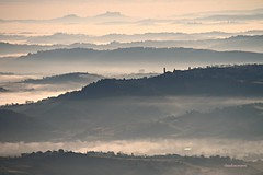 (claudiophoto) Tags: italy panorama nature misty fog sunrise landscapes alba hills colline profili marcheregion landscapephoto paesaggiitaliani paesaggidellemarche fotodellemarche marchetourism marcheland