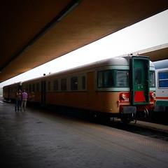 Treno natura: la littorina degli anni '50 (falco di luna) Tags: toscana tuscany crete senesi littorina