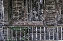 20161007-BFF_9788_HDR (Bonnie Forman-Franco) Tags: red abandoned abandonedhouse berkshires fall windows hdr porch