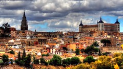 Toledo, la ciudad de las tres culturas. (Jose Roldan Garcia) Tags: toledo sefarad ciudad imperial cielo catedral historia