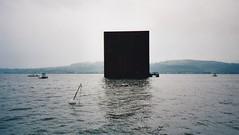 Der Monolith im Murtensee (epargos) Tags: expo02 landesausstellung 2002 dreiseenland arteplagemurgen arteplagemorat augenblickundewigkeit monolith