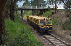 Donovans Rd (Dobpics O'Brien) Tags: walker 22rm rail railway railways railcar victorian victoria vr healesville yarra yvr valley donovans bridge train