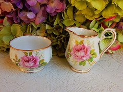 Royal Albert Porcelain Sugar & Creamer ~ American Beauty ~ Roses ~ Gold (Donna's Collectables) Tags: royal albert porcelain sugar creamer ~ american beauty roses gold