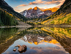 Maroon Bells Autumn Sunrise (JusDaFax) Tags: maroon maroonbells aspen colorado autumn fall colors colorful sky clouds lake reflection rocks morning sunrise alpenglow west western wanderlust travel