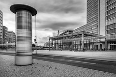 Berlin  Potdamer Platz - Litfasule (Pixelfinder Berlin) Tags: architektur bahnhof city litfass monochrome plakat potsdamerplatz ssbahn ubahn werbung station litfas litfassule