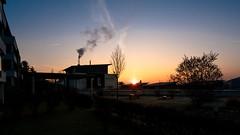 Pura Vida Tamm (holgerreinert) Tags: 2016 dezember himmel uww wohnanlage stuttgart ludwigsburg 0711 sunrise sonnenaufgang schöner wohnen schoenerwohnen gx80 918