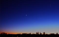 Nuit (Pop626262 (Fort occupé)) Tags: freedom nuit lune etoile ciel coucherdesoleil avion