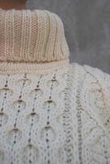 Honeycomb aran turtleneck (Mytwist) Tags: sexy fashion female fetish sweater craft style retro f turtleneck honeycomb thick handknitted tneck rollneck rollkragen handgestrickt rollerneck sweaterhouse