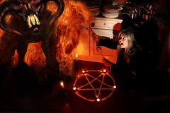 In which I summon a Balrog to deal with the washing up (Apionid) Tags: kitchen gimp pentagram demon washingup occult manifestation balrog summoning day293 werehere nikond40 day293365 hereios 365the2015edition 3652015 20oct15