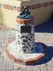 2015.07.22-17.19.58 (Pak T) Tags: avalon buildingdreams california catalina catalinaisland panasonic1235mmf28 sculpture statue