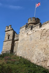 Lincoln Castle (richardr) Tags: old city uk greatbritain england building tower castle english heritage history architecture europe european unitedkingdom britain flag medieval historic lincolnshire lincoln british europeanunion midlands lincolncastle themidlands medievalarchitecture