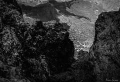 Ruta (Nerea Lorenzo.) Tags: roca acantilado blancoynegro airelibre paisaje roque nublo