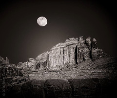 Moonrise Over Redrock (SECarles) Tags: moon moonrise redrock moab utah bw blackandwhite monochrome landscape nature