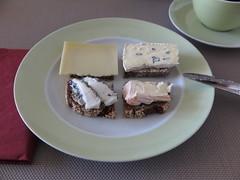 Diverse Kse auf Vollkornbrot (multipel_bleiben) Tags: essen zugastbeifreunden frhstck kse