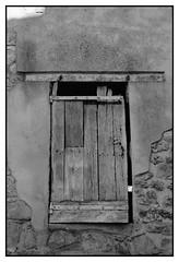 T (DavidB1977) Tags: france iledefrance valdoise goussainville nikon d610 nikkor fentre volet bw nb 2885mm