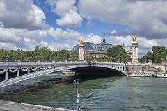 Puente de Alejandro y Grand Palais (CarlosJ.R) Tags: francia grandpalais puentedealejandro sena