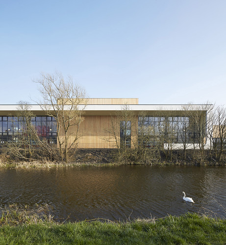 Lairdsland Primary School by Walters & Cohen Architects