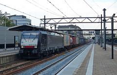 LTE 189 095 met containertrein te Dordrecht (Allard Bezoen) Tags: station train br siemens zug container dordrecht loc trein containers 189 095 eloc baureihe mrce lte containertrein