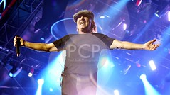 ACDC Live in Sydney (Paul Cush) Tags: music acdc photography media pix photos live sydney band 4th images pit shooters novemeber brianjohnson 2015 angusyoung australiantour anzstadium paulcush rockorbust
