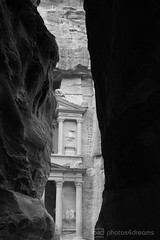 b/w challenge 320 / 365 - petra (photos4dreams) Tags: trip travel bw white black photography photo photos pics petra jordan journey sw challenge schwarz jordanien reise weltkulturerbe rundreise roundtrip wonderoftheworld weis skr weltwunder photos4dreams photos4dreamz p4d jordanien112015p4d