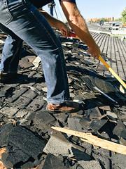 make shingles volunteering difference neighbors roofing dewalt volunteerism loveyourneighbor neighborlink neighborlinkfortwayne