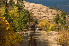 Around the Bend, Mosier, Oregon, October 2015 (Gary L. Quay) Tags: oregon columbia quay gary gorge columbiagorge