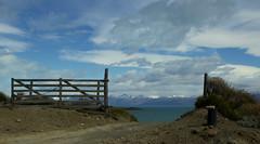 Heaven Door (juanderosario) Tags: cielo tranquera lago nubes heaven door lake lagoargentino elcalafate