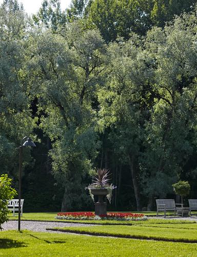 Hirvihaaran Kartanon puisto