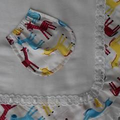 Fralda de ombro com bolso para chupeta (Magia dos Fios) Tags: beb criana maternidade ombro fralda enxovalparabeb fraldadeombro
