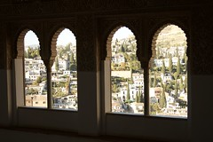 Vista de Granada desde el interior de la Alhambra (lamimesis) Tags: granada alambra generalice