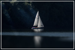 Sailing in morning mist (hardy-gjK) Tags: water see lake morning mist spiegelung reflection light sailing segeln