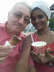 _ice_creams_7705 (Manohar_Auroville) Tags: pondicherry puducherry pondy beach promenade sea seaside afternoon beauty indian girl pretty manohar luigi fedele
