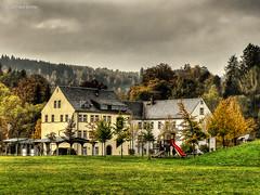 Hirschberger Museum (GerWi) Tags: huser kleinstadt gebude altbauten strasenzge strasen outdoor himmel museum hirschberg
