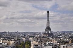 Torre Eiffel desde el Arco de Triunfo (CarlosJ.R) Tags: arcdotriomphe arcodetriunfo france francia paris torreeiffel