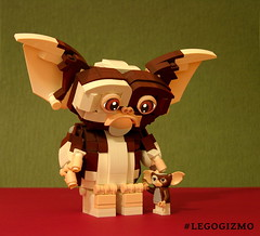 Brick-built Gizmo & Minifig Gizmo (buggyirk) Tags: gizmo gremlins lego ideas set 80s retro afol moc movie buggyirk toy toys