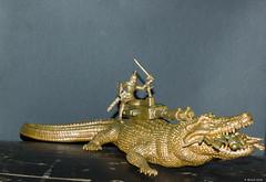 Crocodile de combat (misterblue66) Tags: plastic plastique plasticart 1100d canon crocodile toys combat guerrier jouet 50mm
