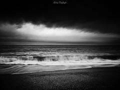 Prende l'eau (erictrehet) Tags: noiretblanc nikon noir nikkor blanc black winter white hiver d80 bretagne sea mer