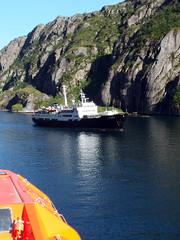 The MS Lofoten in the Trollfjord, Norway (1) (Phil Masters) Tags: 21stjuly july2016 norwayholiday norway raftsund raftsundet thetrollfjord trollfjorden trollfjord shipsandboats mslofoten hurtigruten msspitsbergen