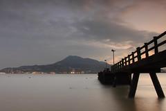 淡水暮色 (Lavender0302) Tags: 夕陽 觀音山 油車口 沙崙 淡水 新北市 台灣 taiwan sunset brige