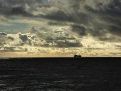 mare e nuvole (fotomie2009) Tags: savona novembre 2016 mareggiata sea mare clouds nuvole liguria riviera ponente ligure