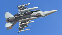 "General Dynamics F-16C Fighting Falcon of the 79th Fighter Squadron ""Tigers"" of the 20th Fighter Wing from Shaw AFB (Norman Graf) Tags: plane airplane fighter aircraft jet f16 sniper tigers sw missile aim viper usaf agm sidewinder asm ordnance unitedstatesairforce hts nellisafb generaldynamics fightingfalcon f16c aim9 shawafb 000035 amraam aim120 lsv ninthairforce 79thfightersquadron 9af militaryexercise klsv aim9l 20fw airtogroundmissile agm88harm airtosurfacemissile anasq213 anaaq33 targetingpod 79fs 20thfighterwing highspeedantiradiationmissile airinterceptmissile analq184ecmpod redflag151 harmtargetingsystem advancedmediumrangeairtoairmissile"