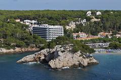 DSC_0217 (L.Karnas) Tags: sea beach strand island islands spain mediterranean playa menorca cala spanien minorca balearic inseln mittelmeer galdana balearische