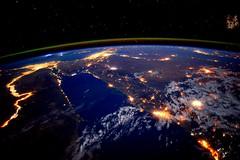 Noche en el ro Nilo, Egipto (MysteryPlanet.com.ar) Tags: egipto iss nilo
